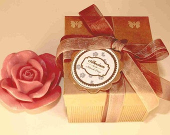 Natural soap olive oil. Pink form and gift box for events. 50 UDs