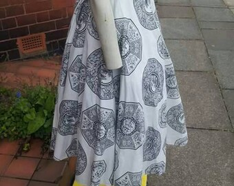 SALE Wonderful collectable novelty print 1940s/50s white cotton and black printed circle skirt with oriental shapes