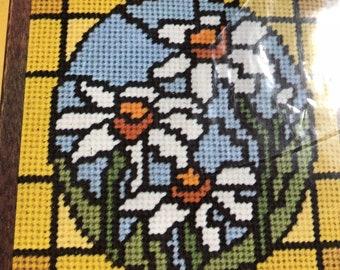 Daisy - vintage needlepoint kit - daisies