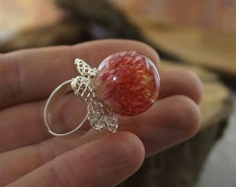 Fairy magic Nature ring Real flower delicate ring Birthday gift for mom Adjustable ring Bohemian jewelry Orb ring Grenadine Terrarium ring