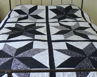 Modern Black and White Twin Coverlet Star Quilt