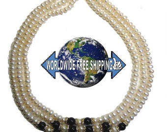 Gorgeous 3-row necklace with freshwater pearl and black jade balls