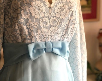 Gorgeous Vintage Formal Gown