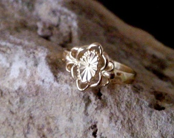 SALE! Floral ring, thin ring, slim band, simple gold ring,vintage style ring,wedding ring, bridal jewelry