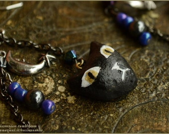 Black cat and the moon - natural clay and purple iridedescent beads - Handmade jewelry sculpt