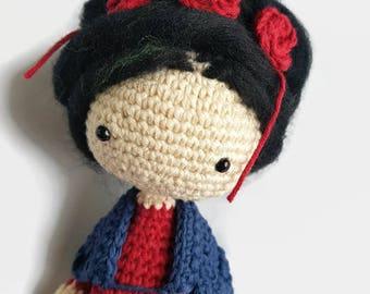 FRIDA crochet doll, FRIDA KAHLO crochet amigurumi doll, Frida handmade art doll for collectors, Frida doll gift for rebels woman, travel toy