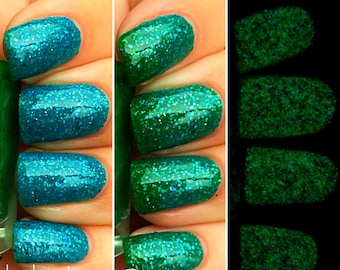Mermaid Blue to Green Color Changing and Glow in the Dark Nail Polish - FREE U.S. SHIPPING - Glows Green - Mood Nail Polish