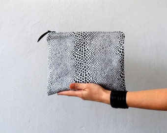 women clutch, Black White Dotted  Zipper Clutch