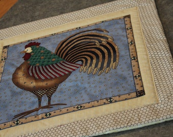 Beige Chicken Wire  Rooster Feathers  17 X 17   Table Runner Topper