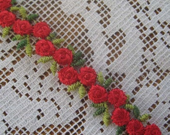 4 Yards Red Rosebud Venise Lace Edging Trim  V-16