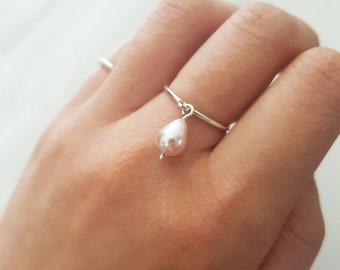 Unique pearl ring, simple pearl ring, june birthstone ring, dainty rings, dainty pearl ring, delicate pearl ring, minimalist pearl ring