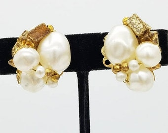 ON SALE Vintage Signed Judy Lee Gold Tone & Faux Pearl  Clip Earrings