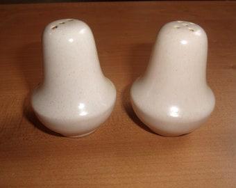 vintage pair salt pepper shakers set white