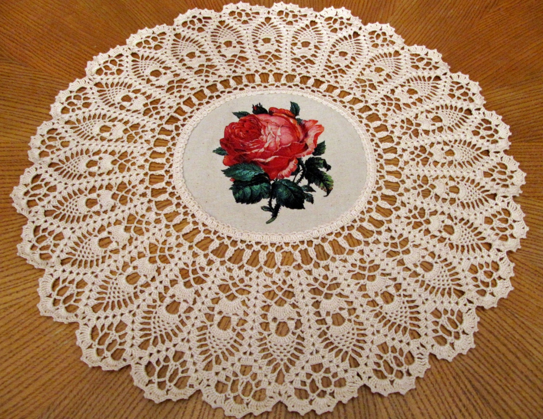 Ungefärbt Häkeldeckchen Deckchen handgefertigt mit Rose