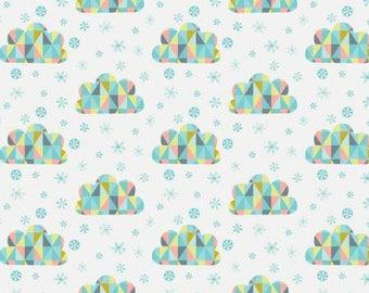170380 White Triangle Clouds