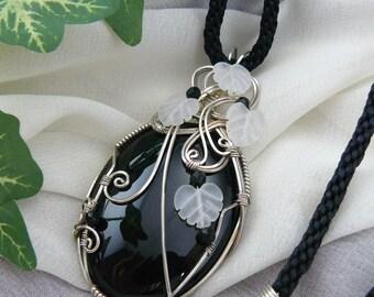 Wirewrapped Black Onyx Pendant ~ Black Onyx Necklace ~ Black Onyx Pendant ~ Silver Wirewrapped Pendant ~ Wirewrapped Black Cabochon