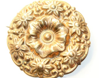 Czech Gold Coloured Flowers Wreath Floral Vintage Brooch (c1930s)