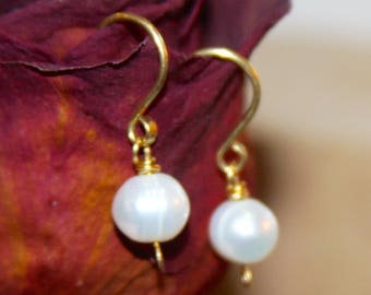 Small Pearl Earrings - Pearl Dangle Earrings - White Pearl 14k gold filled Earrings - Pearl Jewelry - Silver Earrings - Wire Wrap Earrings