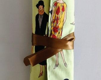 Elegant Flappers Make-up Brush Roll