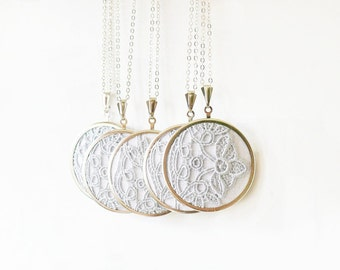 Grey lace necklaces for bridesmaids l009
