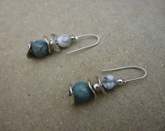 Earrings with turquoise beads and white