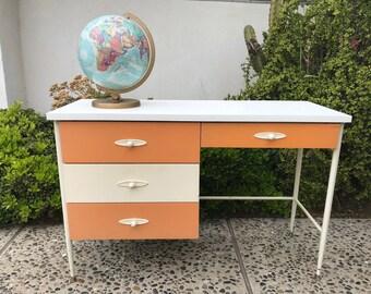 MID CENTURY MODERN 4 Drawer Desk or Vanity (Los Angeles)