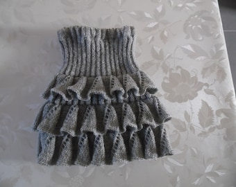 Skirt knitted in needles ruffle girl. Size 2/3 years
