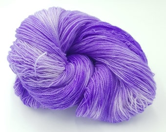 Hand Dyed Laceweight Super Fine Falkland Wool - Bluebell