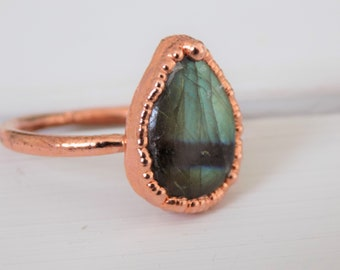 Labradorite copper ring - Size M labradorite ring - electroformed copper ring - Size 6.5 labradorite ring - pear crystal ring - boho ring