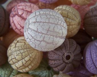 FREE SHIPPING - 24 pcs Fluted Crackle Acrylic Beads (#2105)