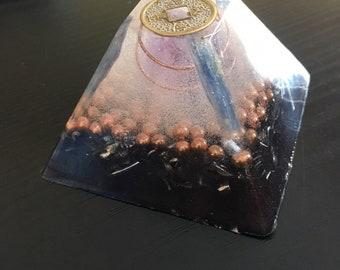 Purple 6th Third-Eye Chakra Orgonite (Amethyst & Fortune Coin)