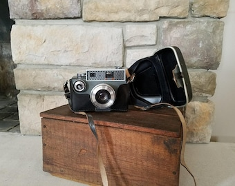 Vintage 1960's Argus Autronic 35 mm Camera with Leather Case