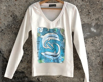 Paint by hand t-shirt with dolphins . Unique hand painted cottton t-shirt in white and blue. Long sleeve t shirt. Valentine's gift.