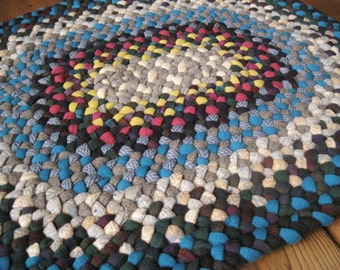 Made To Order Custom Wool Oval Recycled Handmade Braided Rug / Rag Rug in your choice of colors for  bathroom / entry / office / kitchen