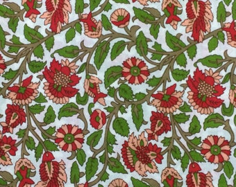 Cotton Fabric / Vintage Cotton Fabric / Floral Cotton Fabric  / Cotton Quilting Fabric / Red Floral Fabric / Quilting Fabric