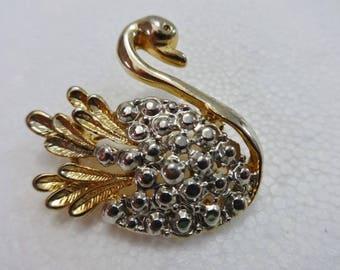 Vintage swan brooch