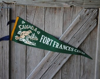 """Large 25"""" Green Fort Frances Ontario Canada Souvenir Felt Pennant with Beaver Graphics"""