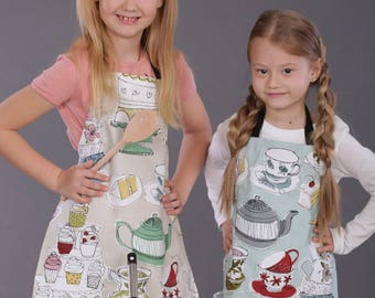 Kids Aprons, Toddler Aprons, Cupcake Aprons, Mummy and Me Aprons, Baking Apron, Girls Apron, Matching Childrens aprons, Personalized Aprons