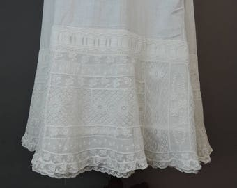 Antique 1900s Petticoat with Amazing Lace, up to 31 inch waist, Vintage White Cotton Slip