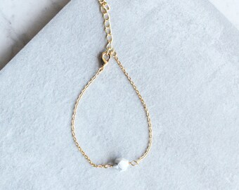 Single Geometric Howlite Bead Bracelet, Boho Layering Bracelet