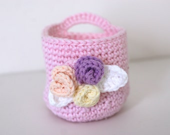 Crochet Pink Basket with Makeup Remover Pad Wash Cloths