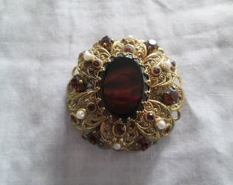 """Art Nouveau style vintage Brooch pin with Amber and faux pearl accents measures 2"""" x 2"""""""