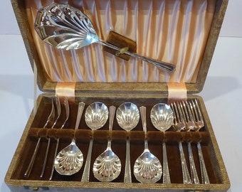 Excellent Boxed Set of Vintage Silver Plated Dessert Cutlery, Dessert Forks, Pastry Forks, Dessert Spoons, Serving Spoon