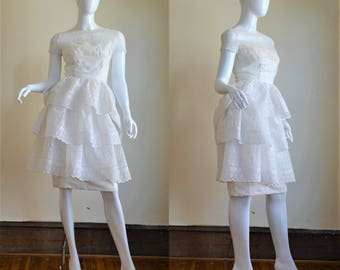 Late 1950s Exquisite White Eyelet Organdy Dress With Huge Bow & Ruffles XS S