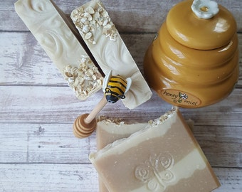 SOAP- Oatmeal Milk and Honey* Handcrafted Soap * Cold Process * Natural Soap * Palm Free Soap * Jabon * Artisan * Floral*  Lard * Oatmeal