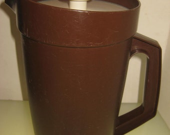 Retro Vintage Tupperware Pitcher 800-12, Dark Brown, Servalier Lid, iced tea, lemonade, TheRetroLife