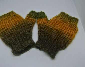 Toddlers Fingerless Mitts. Age 2-4. Handknitted. Free Postage in UK
