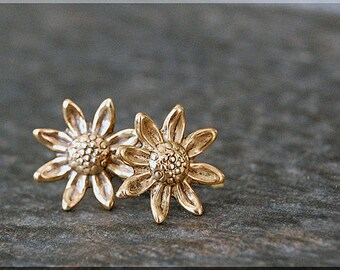 Daisy Earrings. Gold Daisy Flower Post Earrings, Brass Daisy Earrings, sterling silver post stud earrings. Hippy Chick Earrings