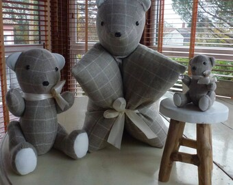 Trio of bear decoration. Can be separated.