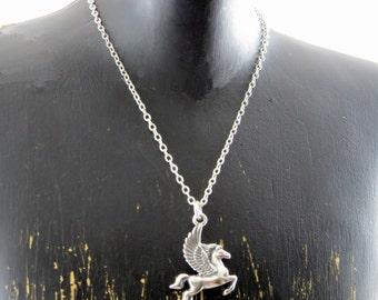 Collier Pégase d'argent massif, collier de Pegasus, Pegasus pendentif, la mythologie grecque, créature mythologique, Winged étalon
